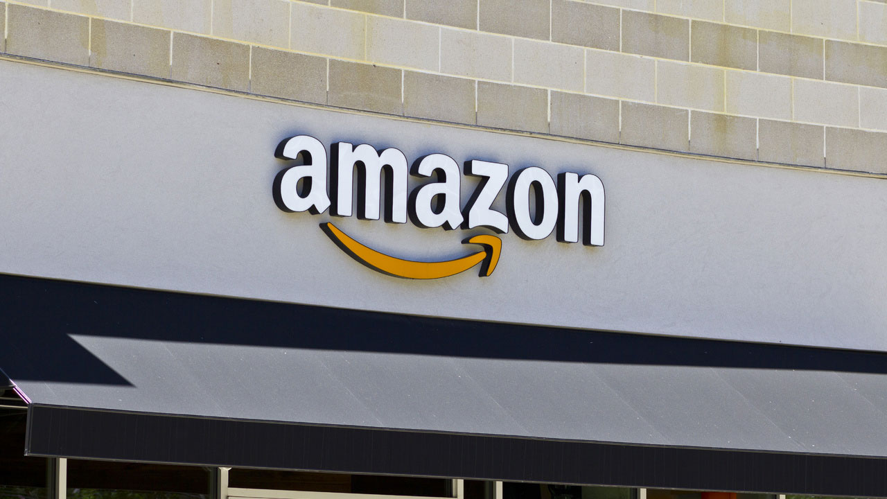 Amazon continues to pull in a lot of money
