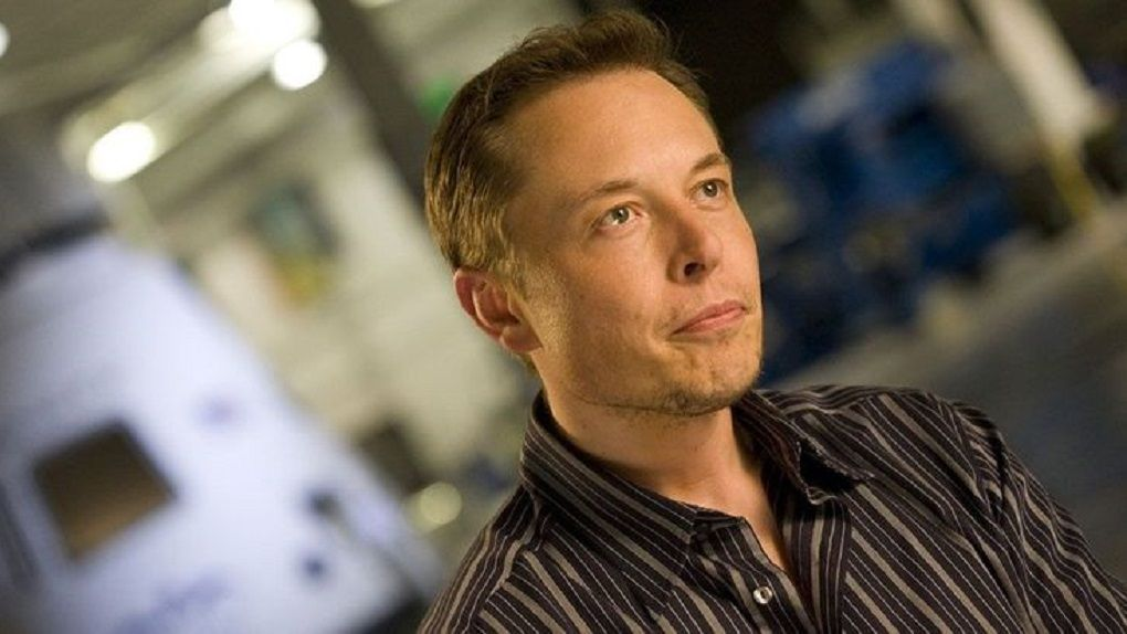 Elon Musk denies that he demanded to become Apple's CEO