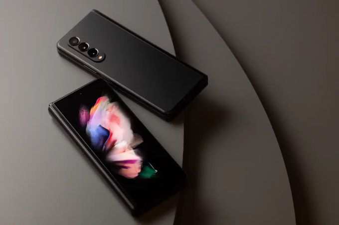 This is how Apple can fix everything that is wrong with the Samsung Galaxy Z Fold 3